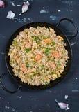 Gebraden rijst met garnalen Gezond Aziatisch voedsel Stock Foto