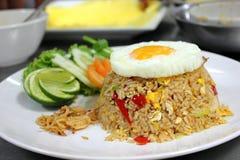Gebraden rijst met gebraden ei Royalty-vrije Stock Fotografie