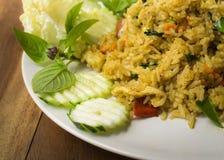 Gebraden rijst met groene kerriekip Stock Foto's