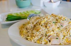 Gebraden rijst met Vietnamese varkensvleesworst Stock Afbeeldingen