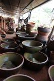Gebrand aardewerk en Ceramische oven stock afbeeldingen