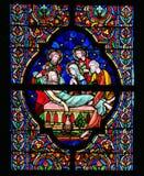 Gebrandschilderd glas - Begrafenis van Jesus Stock Fotografie