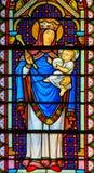Gebrandschilderd glas in de Kathedraal van Monaco - Madonna en Kind stock foto's