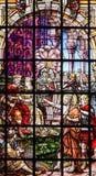 Gebrandschilderd glas - Heilige John Doopsgezind Stock Foto's