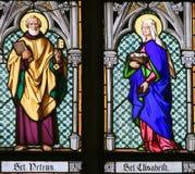Gebrandschilderd glas - Heilige Peter en Heilige Elisabeth royalty-vrije stock afbeeldingen