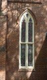 Gebrandschilderd glas lang venster Stock Afbeeldingen