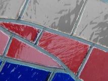 gebrandschilderd glas met kleuren blauwe, rode mà ¡ s witte, geweven achtergrond Stock Foto's