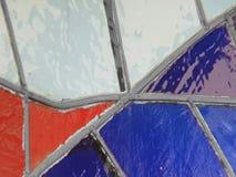gebrandschilderd glas met kleuren witte, rode en blauwe, geweven achtergrond Royalty-vrije Stock Afbeelding