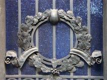 Gebrandschilderd glas met metaalornament Royalty-vrije Stock Fotografie
