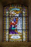 Gebrandschilderd glas in Servische Orthodoxe Kerk van de Heilige Beklimming van Lord in Subotica-stad, Servië Stock Foto's