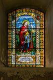 Gebrandschilderd glas in Servische Orthodoxe Kerk van de Heilige Beklimming van Lord in Subotica-stad, Servië Stock Foto