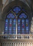 Gebrandschilderd glaskapel in Notre Dame de Bayeux, Frankrijk Stock Afbeeldingen