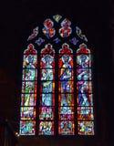 Gebrandschilderd glasvenster in Collegenotre-dame van Huy-kerk stock afbeeldingen