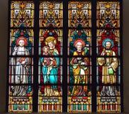 Gebrandschilderd glasvenster in de kerk van Heilige Elisabeth royalty-vrije stock afbeelding