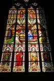 Gebrandschilderd glasvensters in de Kathedraal stock afbeeldingen