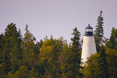 Gebrannter Insel-Leuchtturm Stockfoto