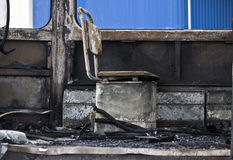 Gebranntes Traminnere - gebrannte Sitze sind in Folge Stockfoto