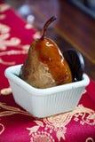 Gebratene Birne für einen köstlichen und gesunden Nachtisch Lizenzfreie Stockbilder