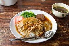 Gebratene Ente mit Reis Stockfotografie