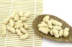 Gebratene Erdnüsse Stockbilder