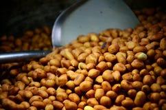 Gebratene Erdnüsse Stockfoto