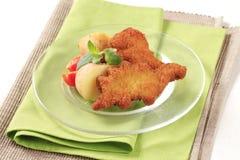 Gebratene Fische und Kartoffeln Lizenzfreie Stockfotos