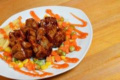 Gebratene Fleischklöschen mit Chili-Sauce Stockfotos