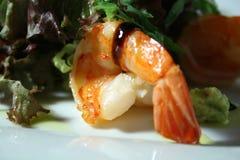 Gebratene Garnele mit Salat Lizenzfreies Stockbild