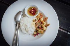 Gebratene Garnele, Salz, Pfeffer mit Reis Stockbild