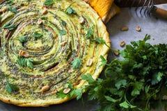 Gebratene Gemüsetorte Köstliche vegetarische Quiche Stockfotos