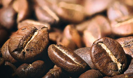 Gebratene Kaffeebohnen Makro Lizenzfreie Stockfotos