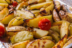 Gebratene Kartoffel mit Kräutern Lizenzfreies Stockbild