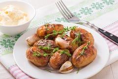 Gebratene Kartoffeln mit Knoblauch Lizenzfreie Stockfotos