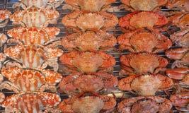 Gebratene Krabben im Nachtmarkt Lizenzfreie Stockbilder