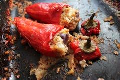 Gebratene rote Pfeffer angefüllt mit soja und Zwiebeln und Reis Lizenzfreies Stockfoto