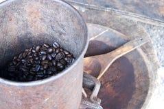 Gebratener Arabicakaffee in Mae Klang Luan stockfotos
