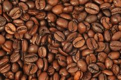 Gebratener Kaffeehintergrund Lizenzfreie Stockfotos