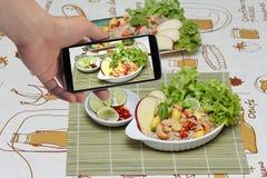 Gebratener Reis mit Mischgemüse und Lizenzfreies Stockfoto