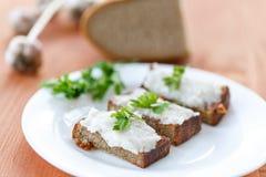 Gebratener Toast mit Speck Stockfotografie