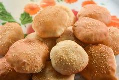 Gebratenes Brot mit indischem Sesam lizenzfreies stockbild