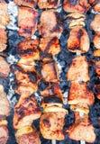 Gebratenes Fleisch auf Feuer Lizenzfreie Stockbilder