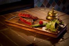 Gebratenes Fleisch mit Gemüse Stockfotos