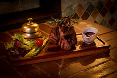 Gebratenes Fleisch mit Gemüse Lizenzfreie Stockfotografie