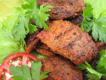 Gebratenes Fleisch und Gemüse lizenzfreie stockfotos