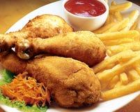 Gebratenes Hühnerbeine. Lizenzfreies Stockfoto