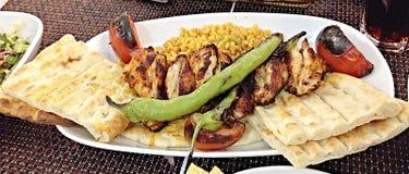 Gebratenes Hühnerflügel mit Reis Stockbild