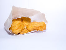 Gebratenes Hühnernugget-Papierkasten Stockbild