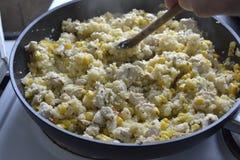 Gebratenes Huhn mit Gemüse Stockfoto