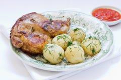 Gebratenes Huhn und Kartoffel Lizenzfreie Stockfotografie