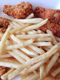 Gebratenes Huhn und Pommes-Frites Lizenzfreies Stockbild